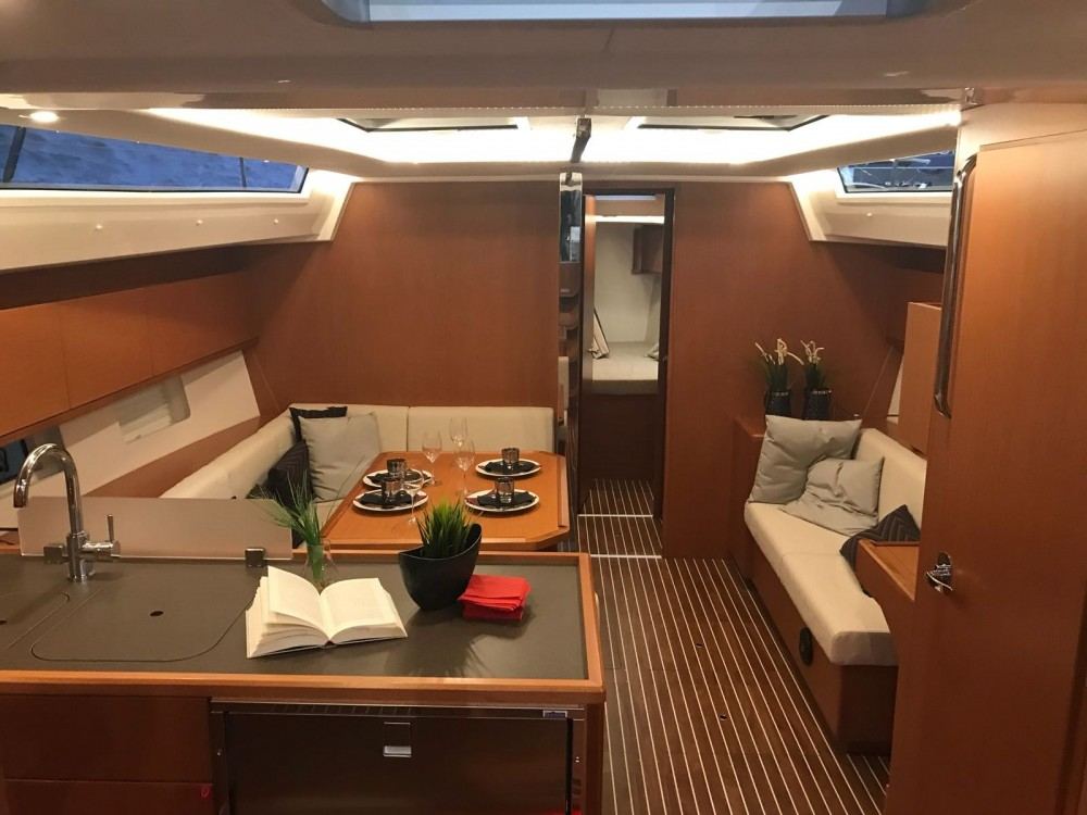 Rental yacht Furnari - Bavaria Bavaria C45 Holiday on SamBoat