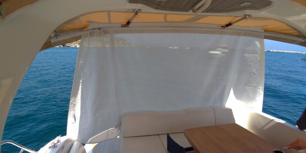 Rental Motor boat in Pouzzoles - Cranchi Z 35