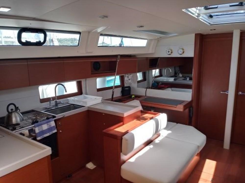 Boat rental Bénéteau Oceanis 51.1 in Skiathos on Samboat