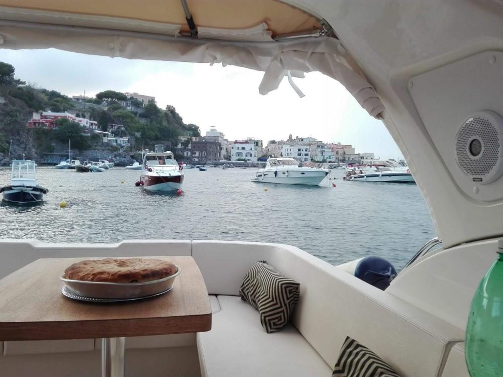 Boat rental Cranchi Z 35 in Pouzzoles on Samboat