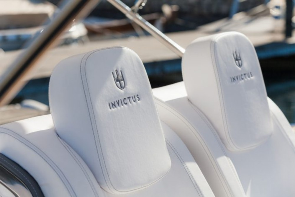 Invictus Invictus 270 FX between personal and professional Maó