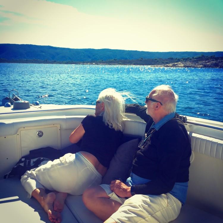 Rental yacht Όρμος Παναγίας - Hydrasports 2500 CC on SamBoat