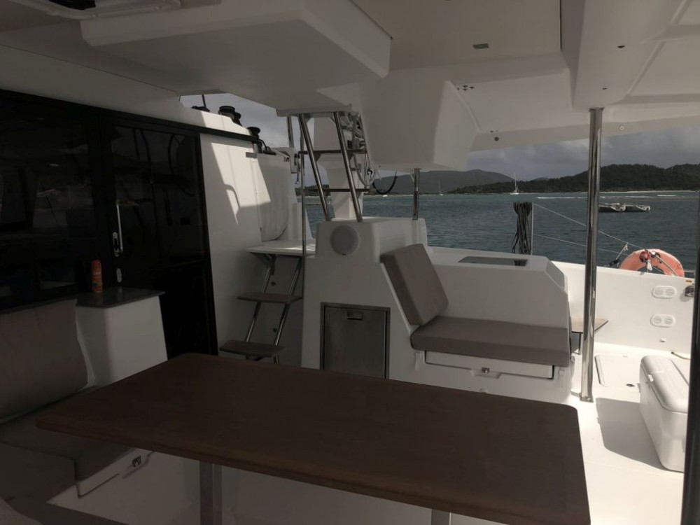 Rental Catamaran in Road Town - Fountaine Pajot Saona 47 Owner Version