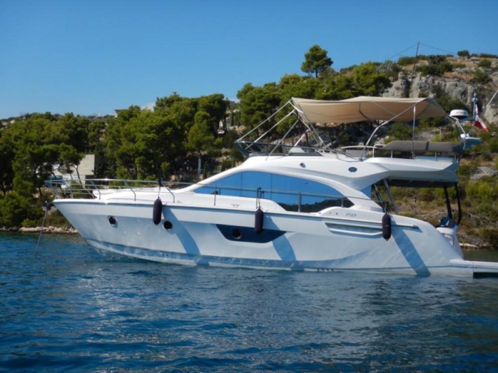 Boat rental SESSA Sessa Fly 47 in Podstrana on Samboat