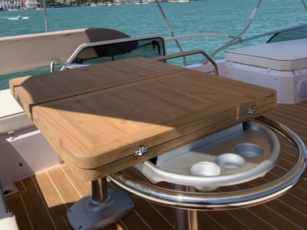 Hire Motor boat with or without skipper SESSA Podstrana
