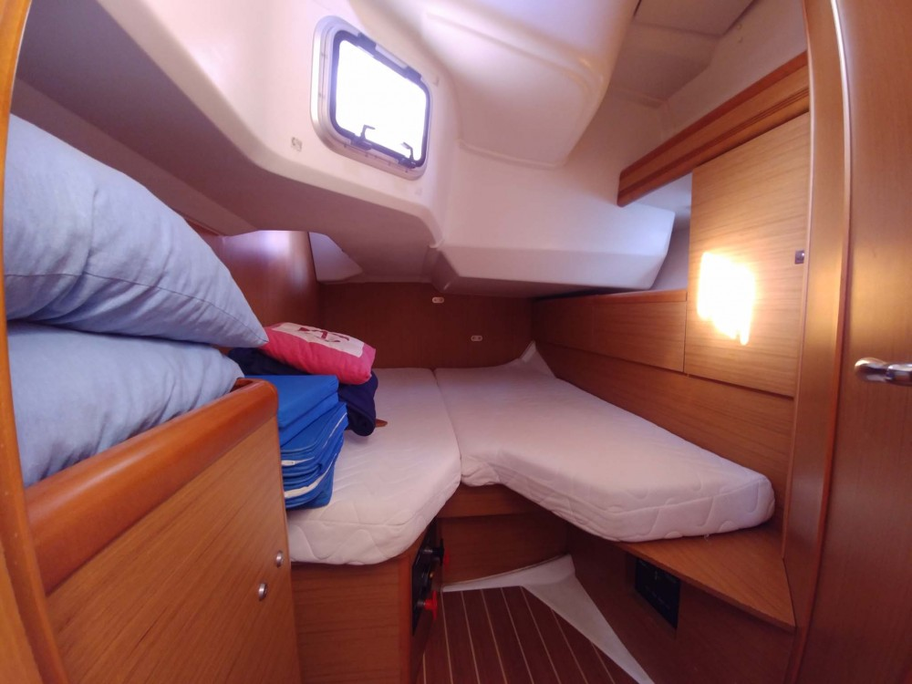 Jeanneau Sun Odyssey 44 i between personal and professional Kavala