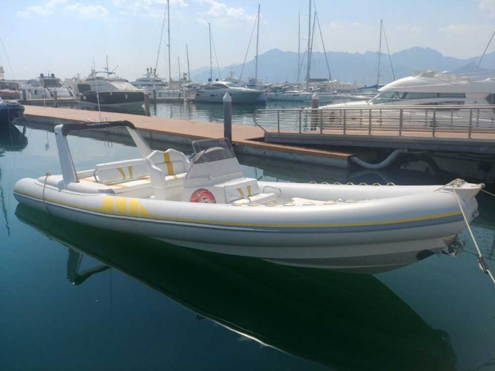 Motorboat for rent Salerno at the best price