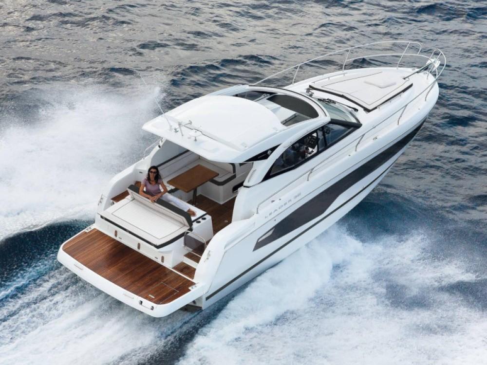 Boat rental Jeanneau Leader 36 in Marina d'Arechi on Samboat