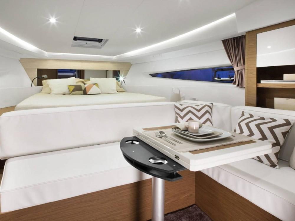 Rental Motor boat in Marina d'Arechi - Jeanneau Leader 36