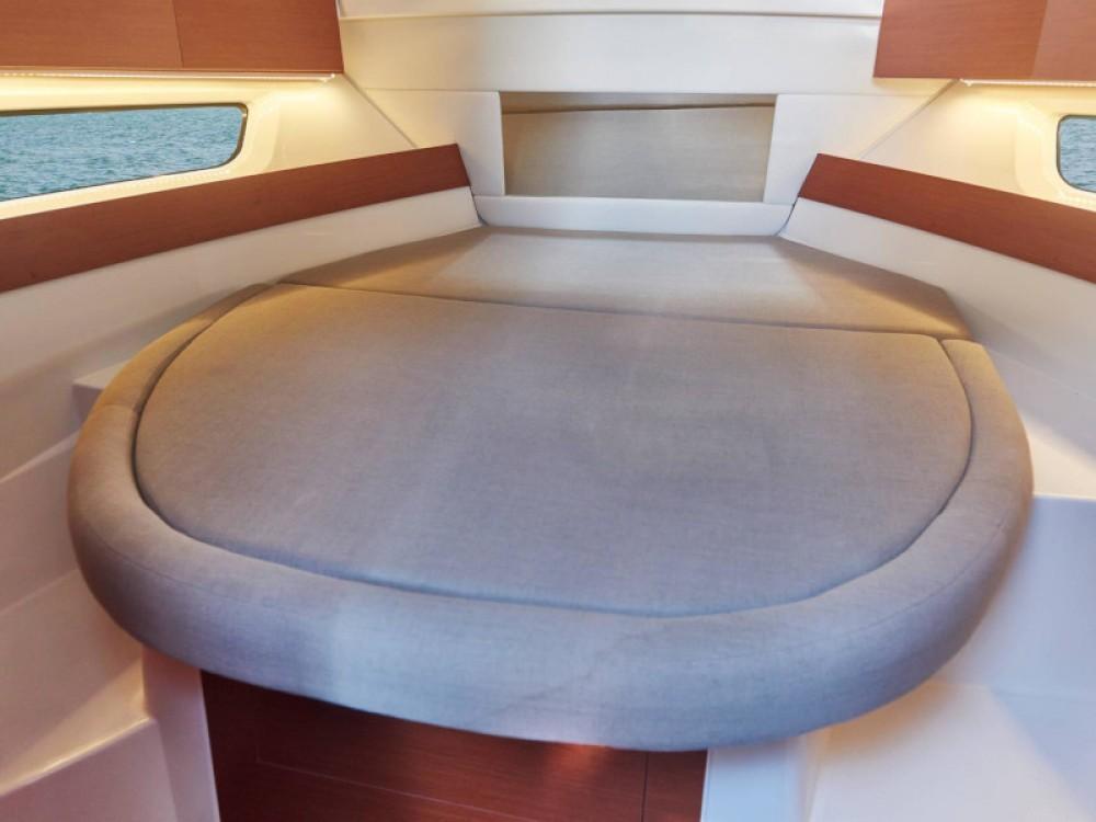 Rental yacht  - Jeanneau Merry Fisher 895 on SamBoat
