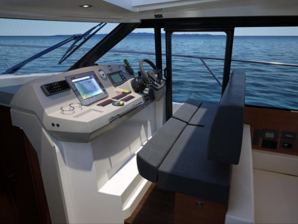 Rental yacht  - Jeanneau Jeanneau NC 14 on SamBoat