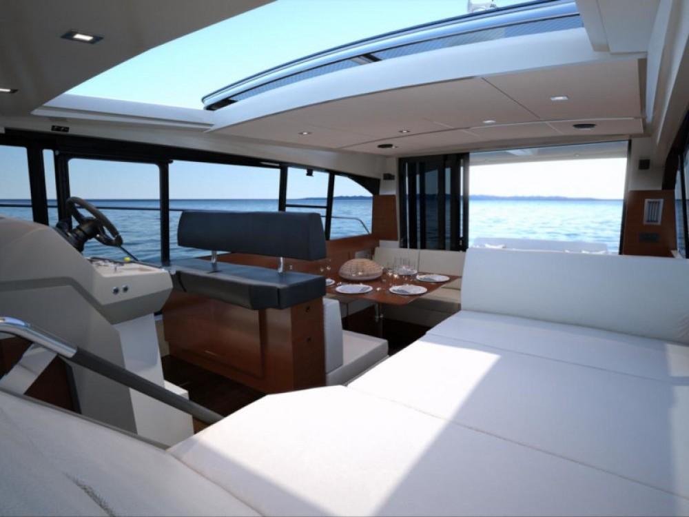 Boat rental Jeanneau Jeanneau NC 14 in  on Samboat