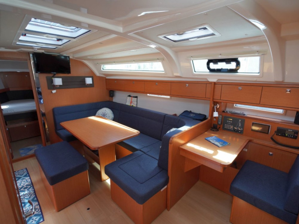 Hire Sailboat with or without skipper Bavaria Vibo Valentia