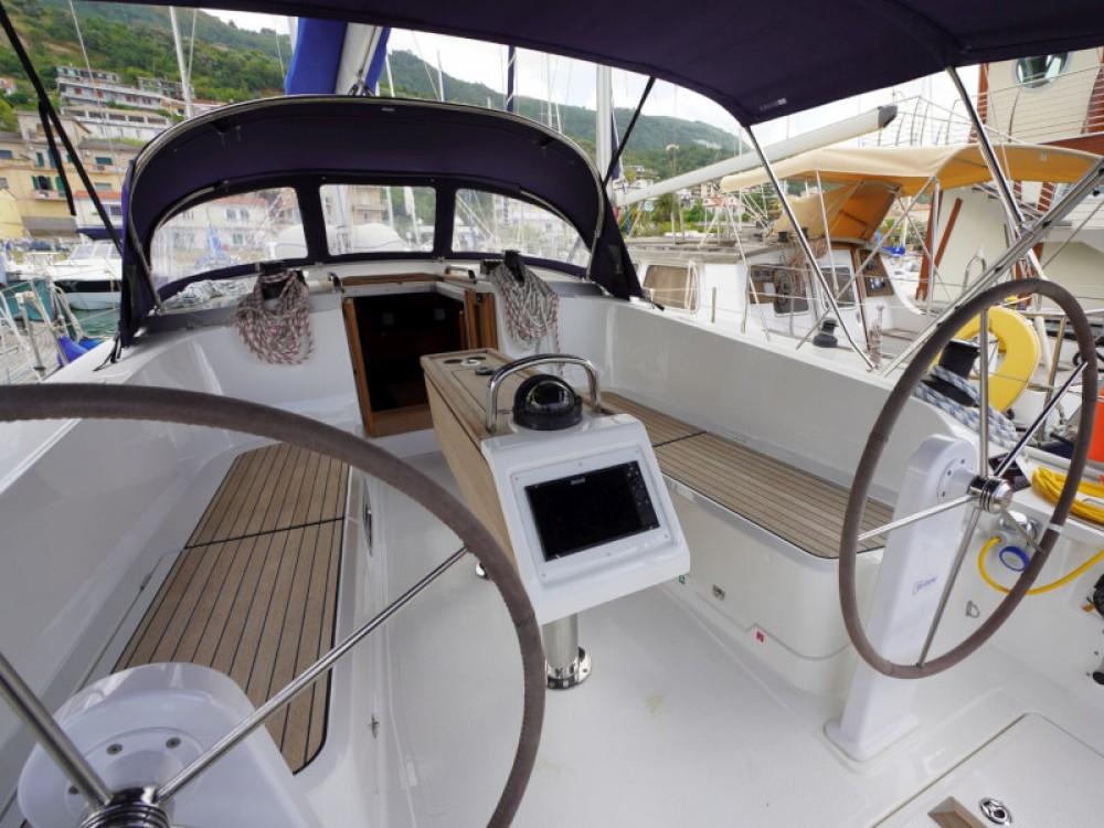 Boat rental Bavaria Bavaria 41 in Vibo Valentia on Samboat