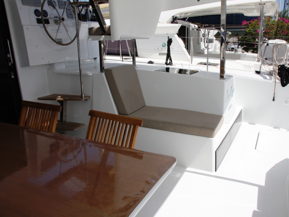 Rental Catamaran in Marmaris - Fountaine Pajot Lucia 40