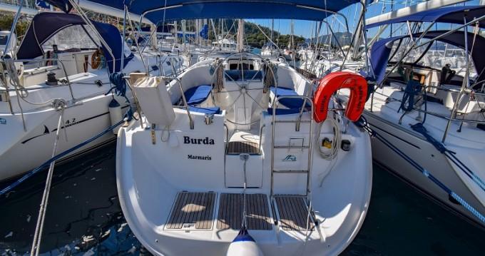 Boat rental Bénéteau Oceanis 411 in Marmaris on Samboat