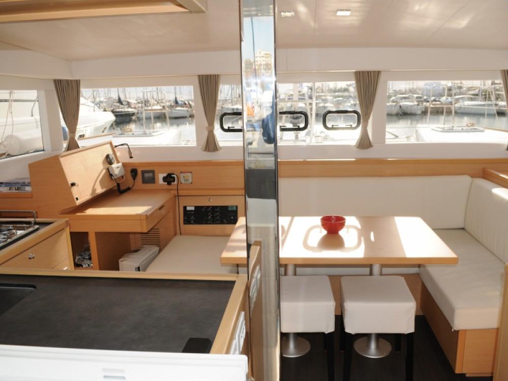 Rental yacht Alimos Marina - Lagoon Lagoon 39 on SamBoat