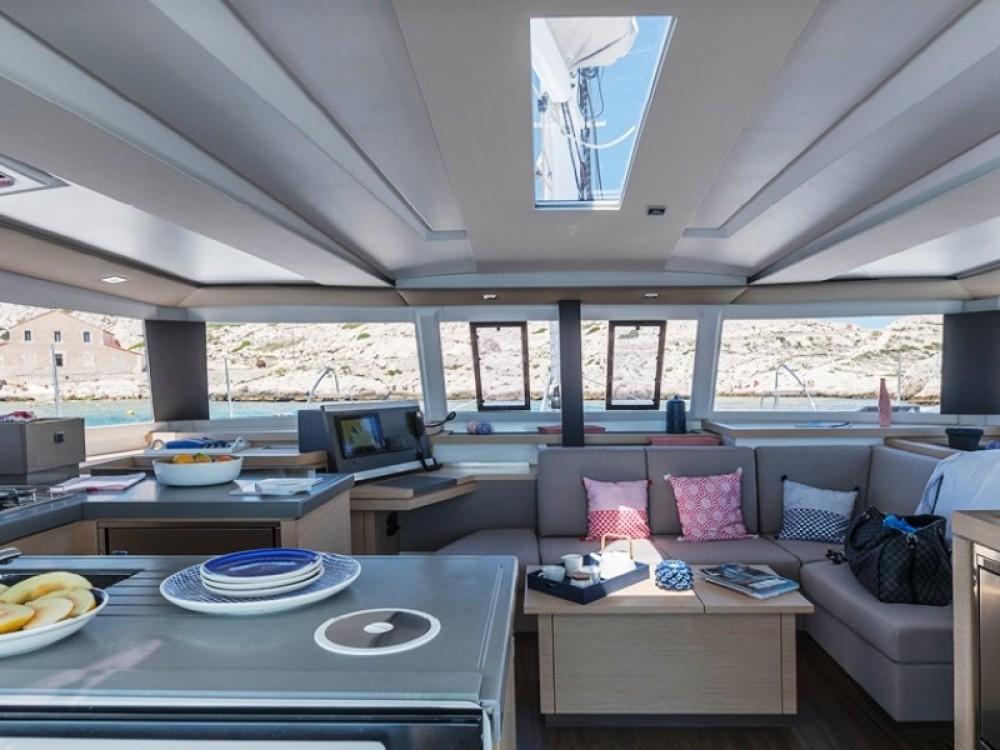 Rental yacht Marmaris - Fountaine Pajot Astrea 42 on SamBoat
