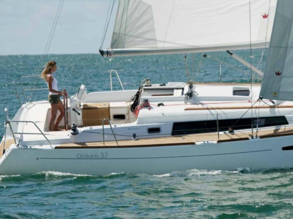Rental yacht Alimos Marina - Bénéteau Oceanis 37 on SamBoat
