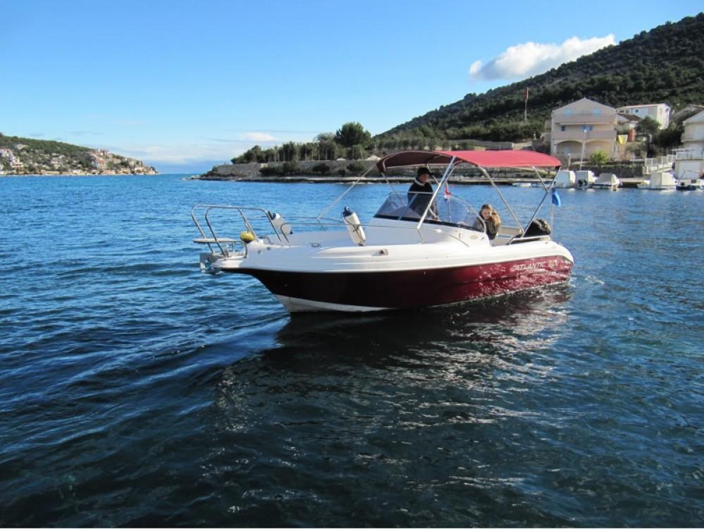 Boat rental Atlantic Atlantic 650 in Vinišće on Samboat