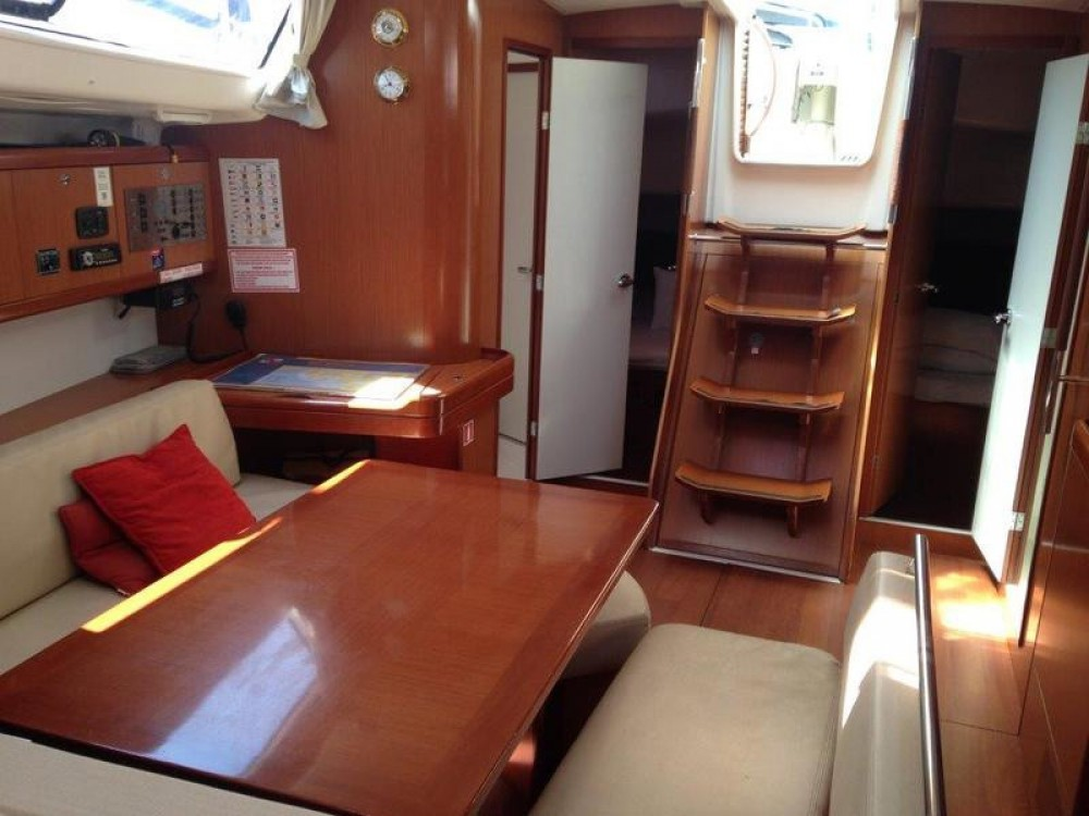 Bénéteau Oceanis 43 between personal and professional Thassos