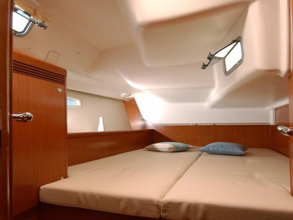 Boat rental Thassos cheap Oceanis 43