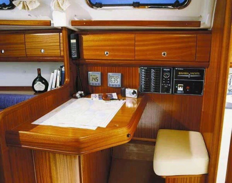 Boat rental Álimos cheap Bavaria 32