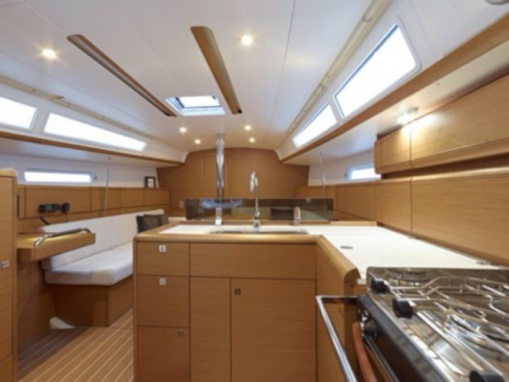 Boat rental  cheap Sun Odyssey 379