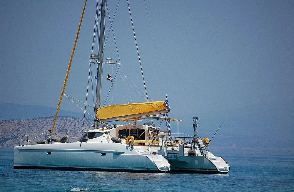 Rental yacht Piraeus - Fountaine Pajot Lavezzi 40 on SamBoat