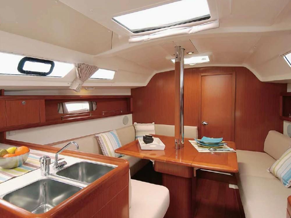 Rental Sailboat in  - Bénéteau Oceanis 34
