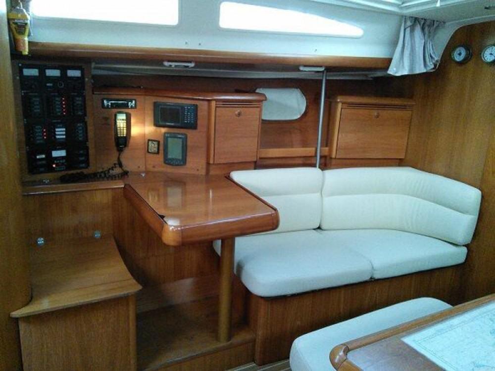 Rental Sailboat in Laurium - Jeanneau Sun Odyssey 43