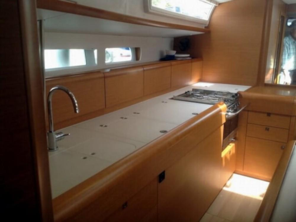 Rental yacht Laurium - Jeanneau Sun Odyssey 519 on SamBoat