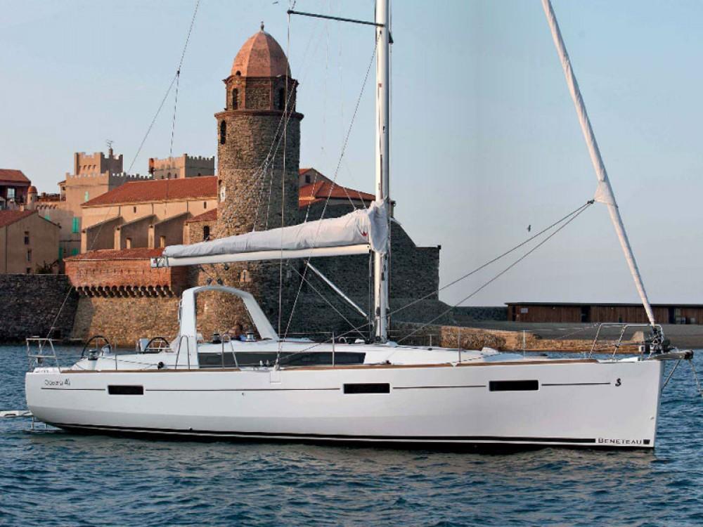 Boat rental Bénéteau Oceanis 41 in Alimos Marina on Samboat