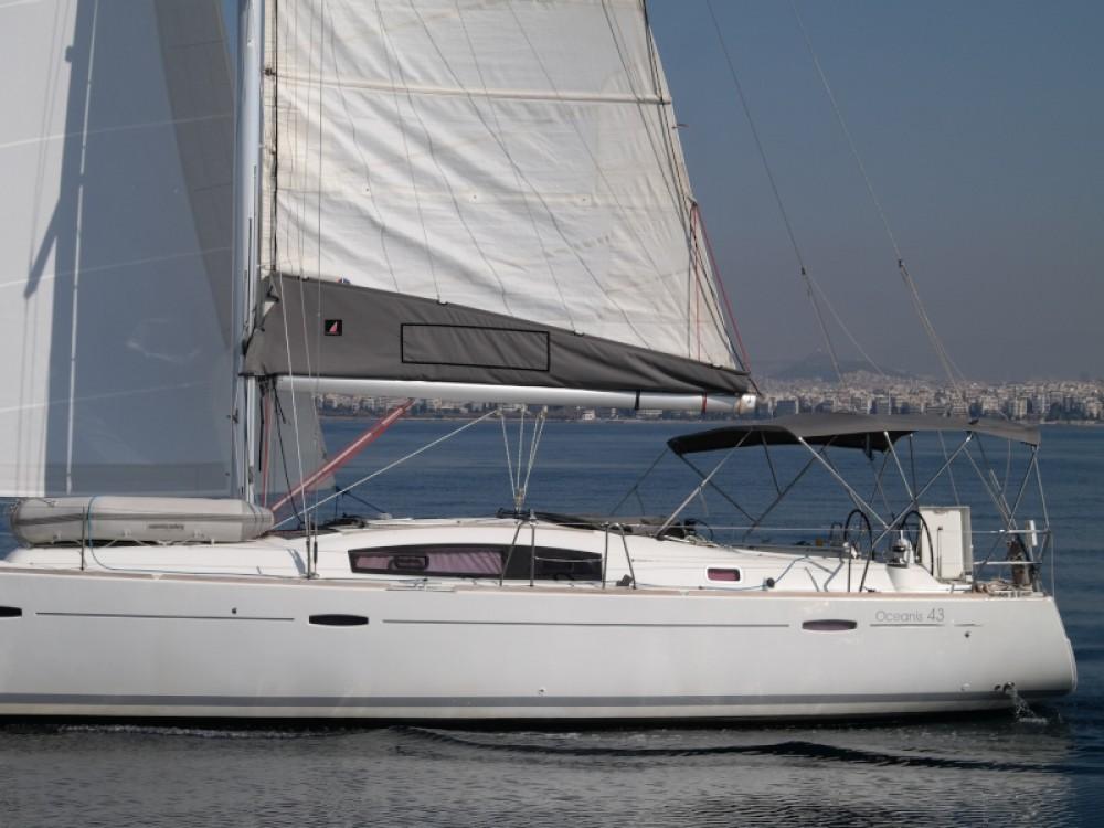 Bénéteau Oceanis 43 between personal and professional Alimos Marina