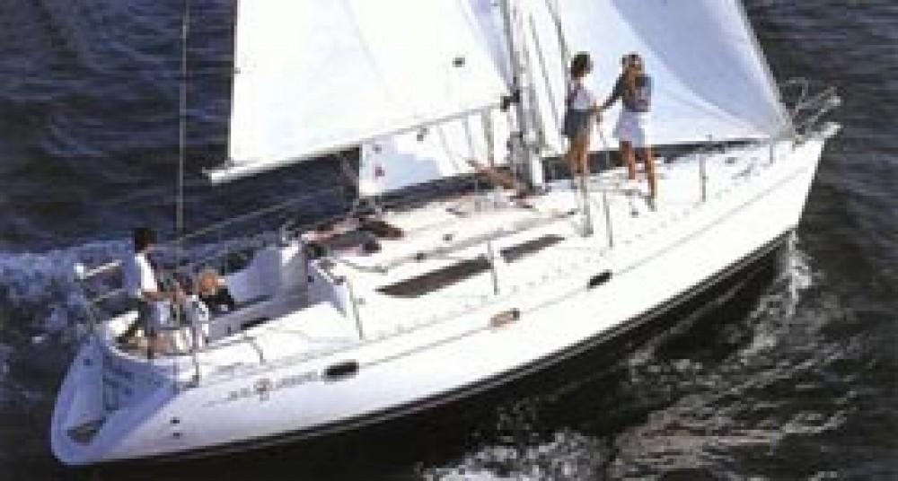 Jeanneau Sun Odyssey 33i between personal and professional Marina Gouvia