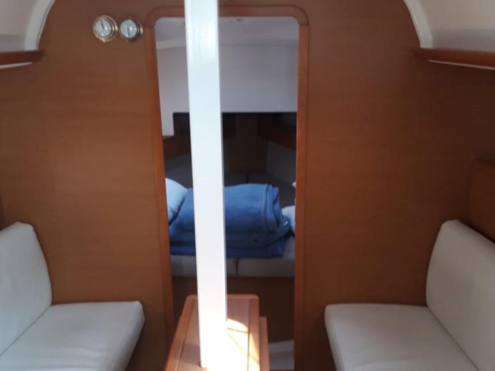 Boat rental Jeanneau Sun Odyssey 33i in Marina Gouvia on Samboat
