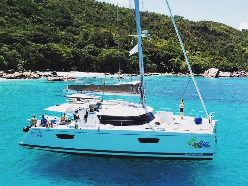 Hire Catamaran with or without skipper Fountaine Pajot Victoria