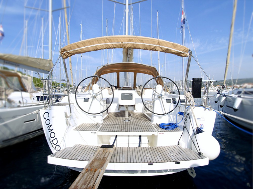 Rental Sailboat in Rogoznica - Dufour Dufour 450 Grand Large