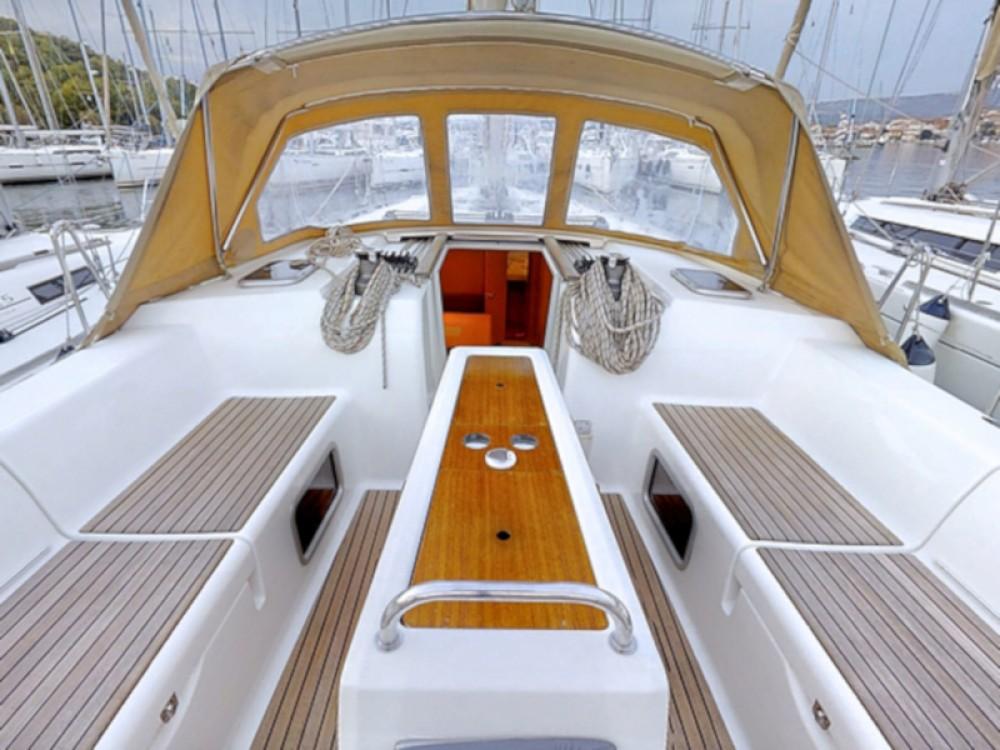 Rental Sailboat in Rogoznica - Dufour Dufour 450 Grand Large