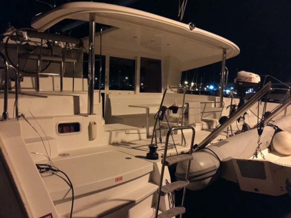Boat rental Valencia cheap Lagoon 400