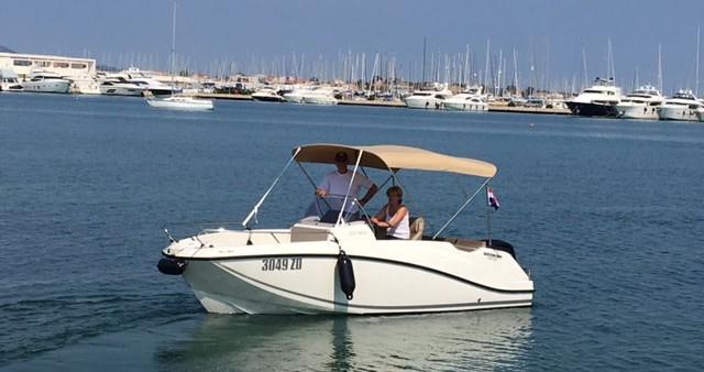 Rental Motorboat in Sukošan - Quicksilver Quicksilver Activ 555