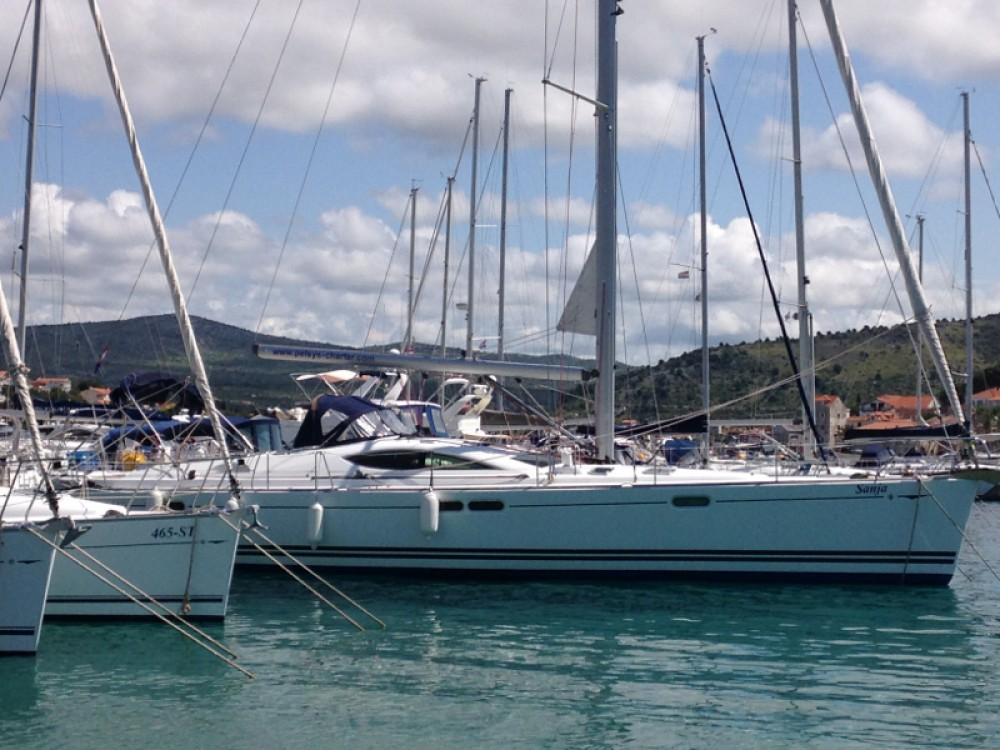 Hire Sailboat with or without skipper Jeanneau Rogoznica