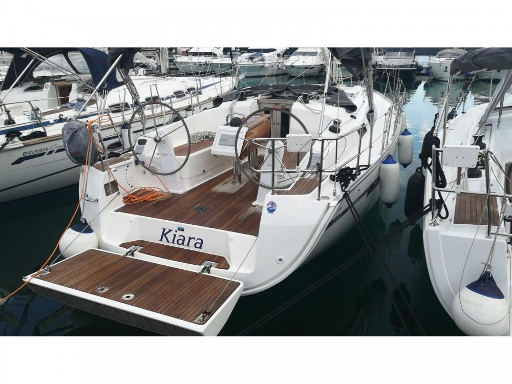 Rental yacht Rogoznica - Bavaria Bavaria Cruiser 37 on SamBoat