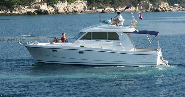Rental yacht Rogoznica - Bénéteau Antares 10.80 on SamBoat
