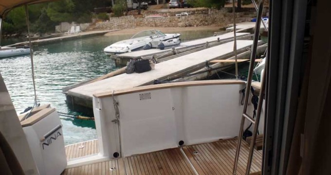 Motorboat for rent Rogoznica at the best price