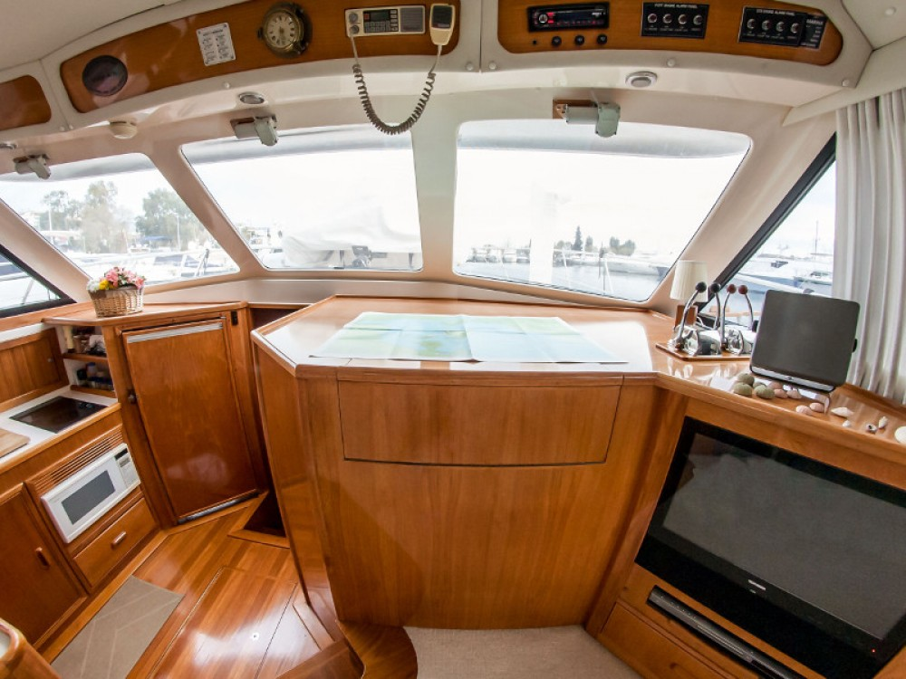 Hire Motorboat with or without skipper Riviera Álimos