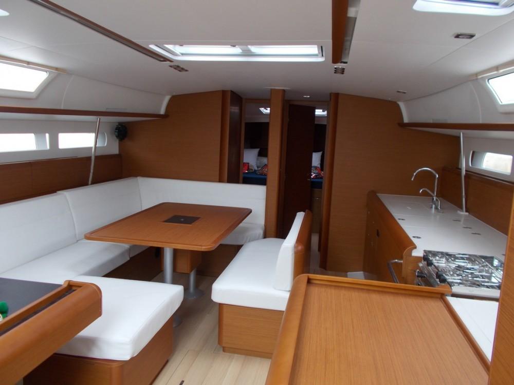 Boat rental Tropea cheap Sun Odyssey 519