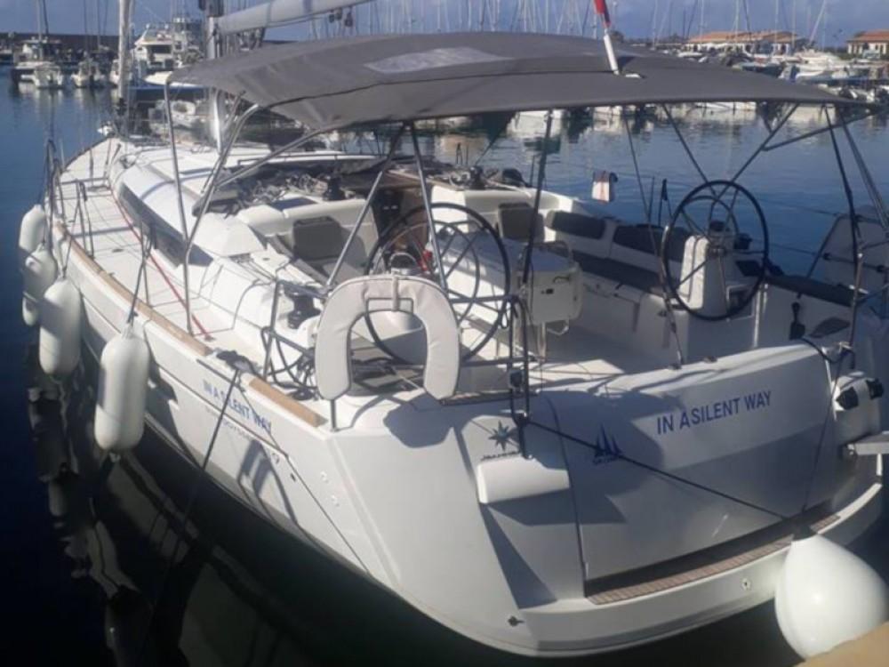 Rent a Jeanneau Sun Odyssey 519 Tropea