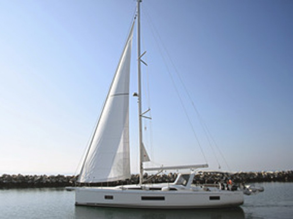 Rental Sailboat in Skiathos - Bénéteau Oceanis 51.1