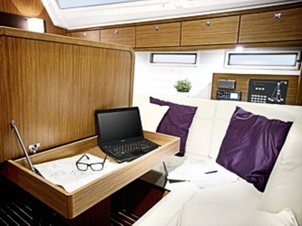Boat rental Bavaria Bavaria Cruiser 46 in Göteborg City Marina on Samboat